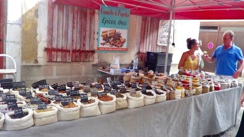 Salies de Béarn : Marché de producteurs et des artisans
